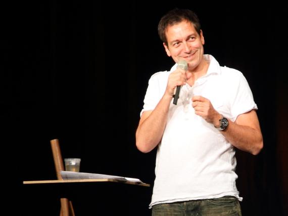 Dieter Nuhr bei einem Auftritt in Zürich