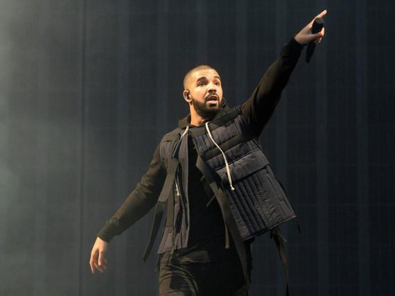 Drake bleibt verletzungsbedingt der Bühne eine Zeit lang fern