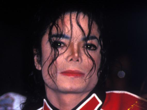 Für seine Fans ist er ohnehin unsterblich: Michael Jackson bei einer Pressekonferenz im Sommer 2009