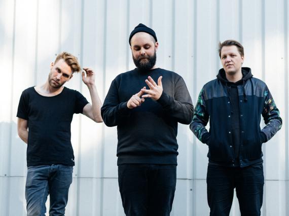 Martin Steer, Johannes Rögner und Jakob Häglsperger sind die Gründungsmitglieder der Band Frittenbude