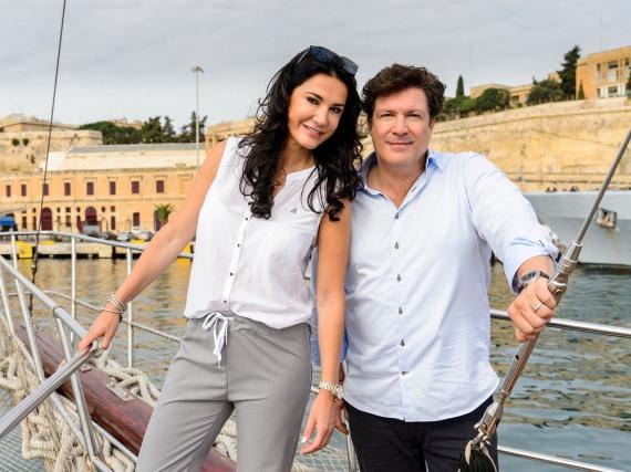 Mariella Ahrens und Francis Fulton-Smith waren die Glückspaten beim SKL Millionen-Event auf Malta