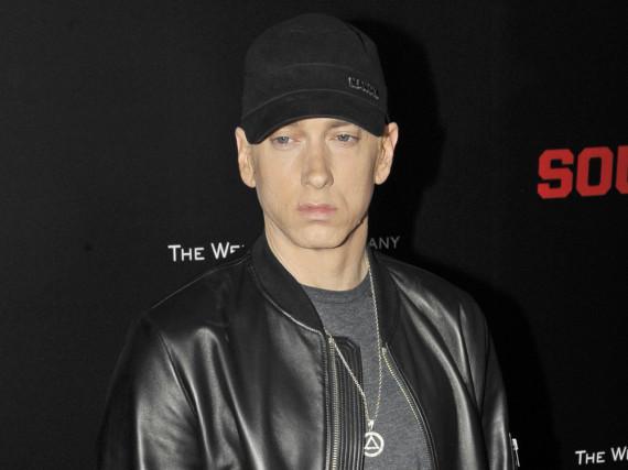 Überrascht Fans mit einem neuen Song: Eminem