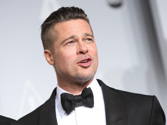 Hat er eine Strategie, oder warum sträubt sich Brad Pitt noch gegen die Scheidung?