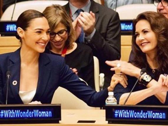 Lynda Carter (r.), die Wonder Woman in den 1970er verkörperte, befürwortet die Entscheidung der UN, ebenso wie die israelische Schauspielerin Gal Gadot, Hauptdarstellerin in der bevorstehenden Comic-Verfilmung