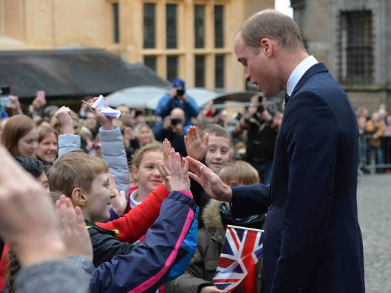 Prinz William kam am Montagmorgen bei seinen jungen Fans auf Stirling Castle gut an