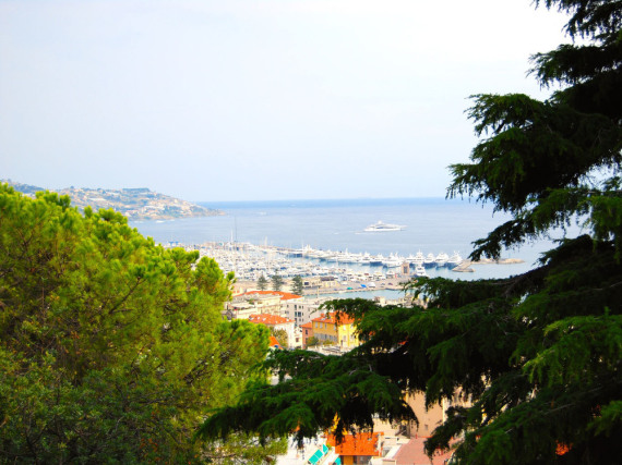Blick auf die Mittelmeerküste von Sanremo