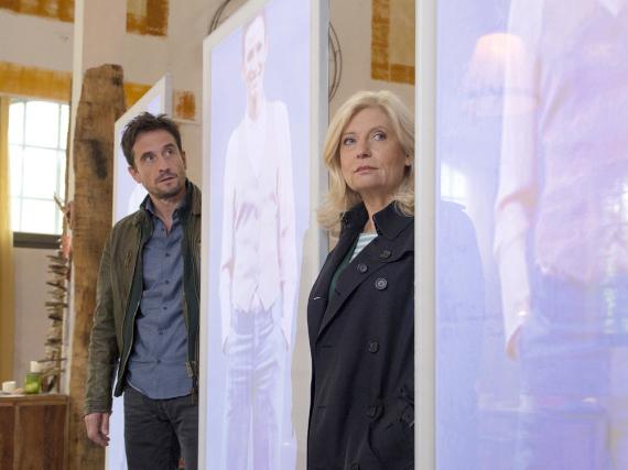 Die Kommissare Stedefreund (Oliver Mommsen) und Lürsen (Sabine Postel) bekommen es mit künstlicher Intelligenz zu tun