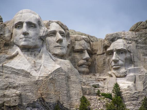 Seit nunmehr 75 Jahren blicken George Washington, Thomas Jefferson, Theodore Roosevelt und Abraham Lincoln (v.l.n.r.) auf ihr Heimatland herab.
