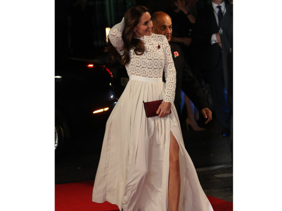 Überraschungs-Moment auf dem roten Teppich: Herzogin Kate mit Mega-Beinschlitz