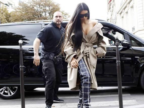 Kim Kardashian wurde drei Jahre lang von Pascal Duvier (l.) beschützt