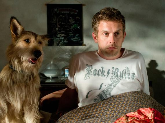 Franz Eberhofer (Sebastian Bezzel) und sein Hund Ludwig hatten gerade im Kino mit