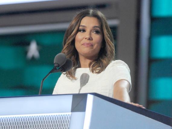 Eva Longoria sprach im Juli auf der National Convention der Demokraten in Philadelphia