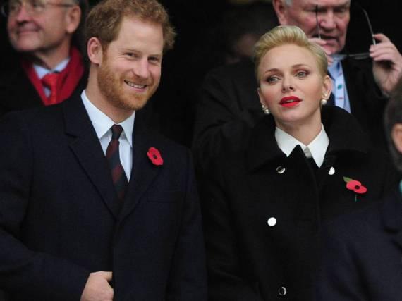 Prinz Harry und Charlène von Monaco bei einem Rugby-Spiel