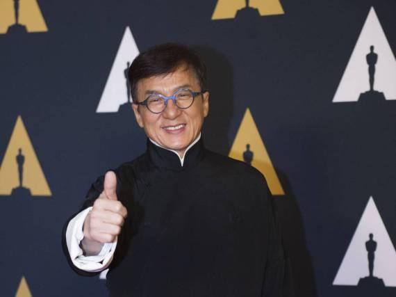Jackie Chan ist nun stolzer Besitzer eines Ehren-Oscars