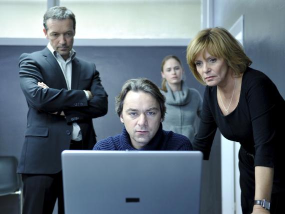 Boris Noethen (Michael Roll), Martin Schiff (Alexander Lutz), Julia Brandl (Inez Björg David) und Ellen Lucas (Ulrike Kriener)