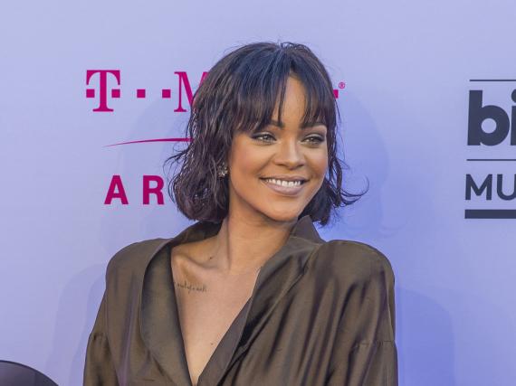 Rihanna kollaborierte zum zweiten Mal mit Manolo Blahnik