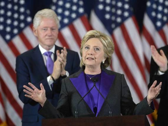 Hillary und Bill (l.) Clinton nach der Wahlniederlage