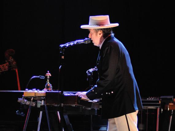 Nimmt Bob Dylan doch noch seinen Nobelpreis an?