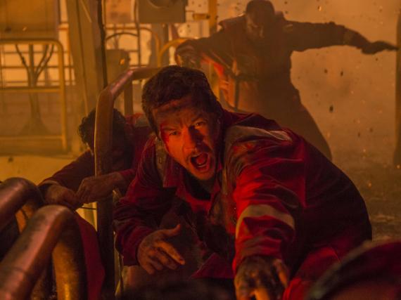 Mike Williams (Mark Wahlberg) und die restliche Besatzung der