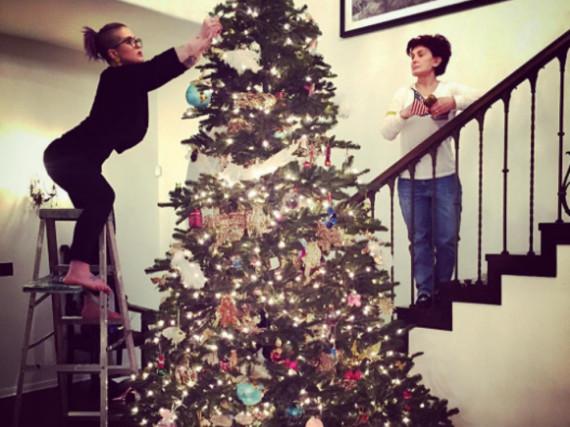 Bei den Osbournes steht die Weihnachtstanne schon