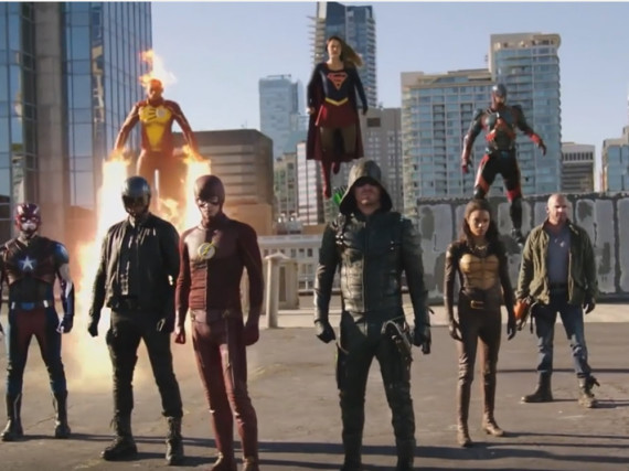 Die DC-Superhelden Supergirl, Arrow, The Flash und Legends of Tomorrow kommen beim Crossover-Event zusammen
