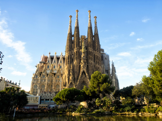 Die Kathedrale La Sagrada Familia ist das berühmteste Bauwerk Barcelonas