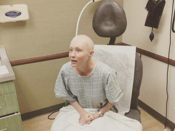 Shannen Doherty fürchtet sich vor der Bestrahlung - aber gibt den Mut nicht
