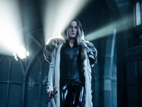 Wird von allen gejagt: Vampirdame Selene (Kate Beckinsale)