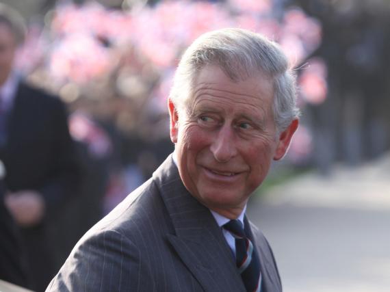 Als junger Student wurde Prinz Charles nach eigener Aussage von einem Bus überfahren