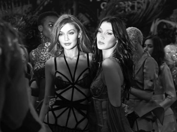 Sie zählen derzeit zu den gefragtesten Models der Welt: Gigi und Bella Hadid backstage bei der