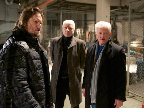 Batic und Leitmayr alias Miroslav Nemec (r.) und Udo Wachtveitl (M.) im Weihnachts-