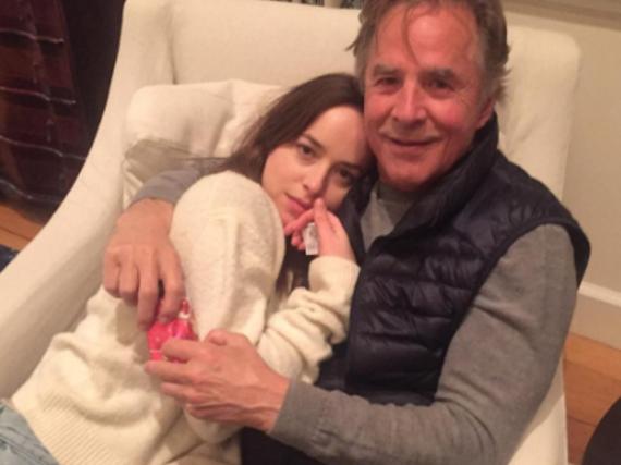 Melanie Griffith fotografierte ihren Ex Don Johnson und die gemeinsame Tochter Dakota Johnson,