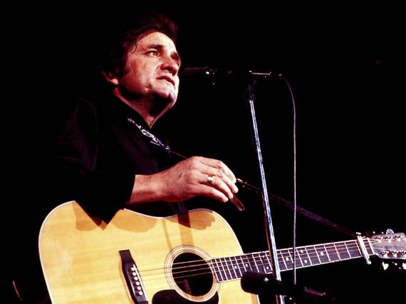 Seine Vorliebe für schwarze Klamotten brachte Johnny Cash schnell den Titel