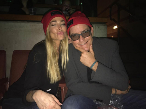Die Ex-Partner Denise Richards und Charlie Sheen scheinen sich nach Jahren des Streits endlich wieder besser zu verstehen