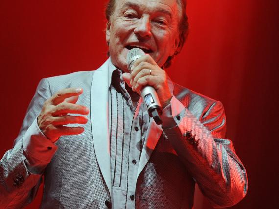 Karel Gott bei einem Auftritt auf einem Festival in Hradec Králové