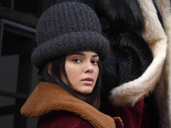Kendall Jenners Mütze sieht mehr als gewöhnungsbedürftig aus