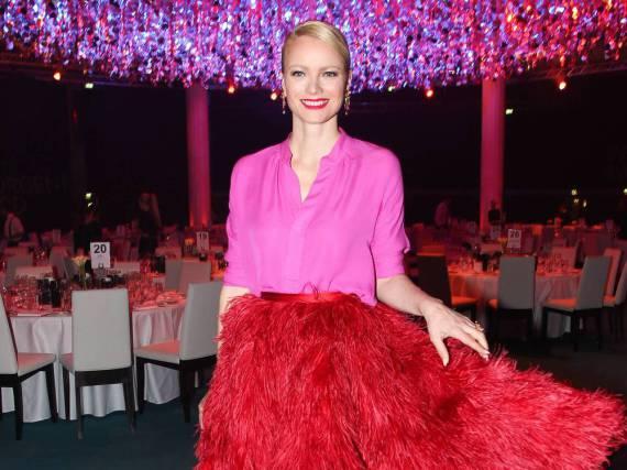 Franziska Knuppe in Pink-Rot