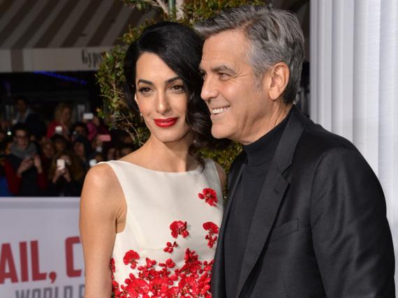 Amal und George Clooney erwarten Zwillinge