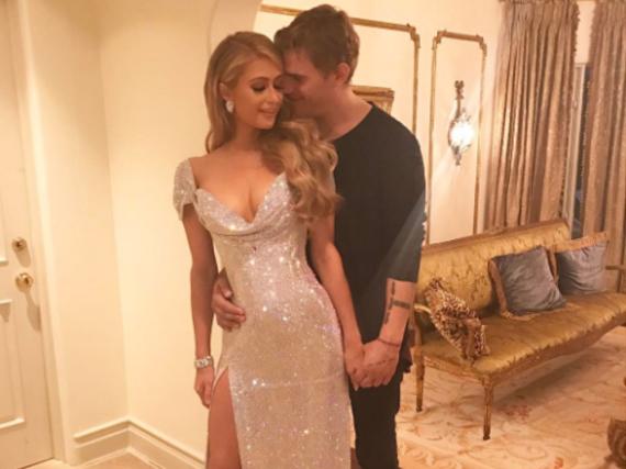 Paris Hilton und Chris Zylka zeigen sich ganz verliebt