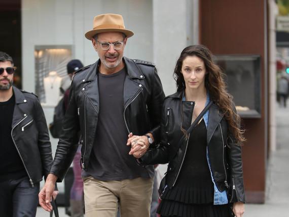 Jeff Goldblum und seine Liebste Emilie Livingston bei einem Spaziergang durch L.A.