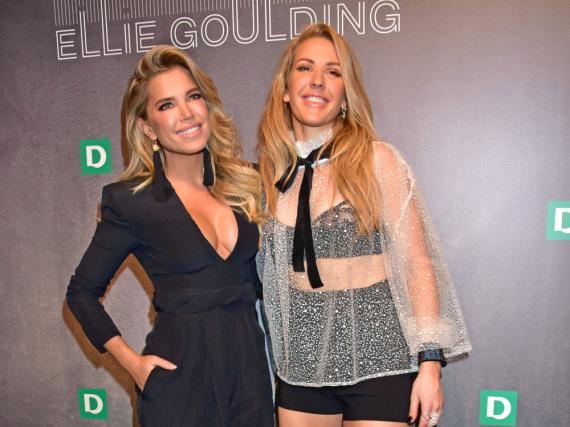 Ellie Goulding mit Sylvie Meis, die ebenfalls schon eine Kollektion bei Deichmann präsentierte