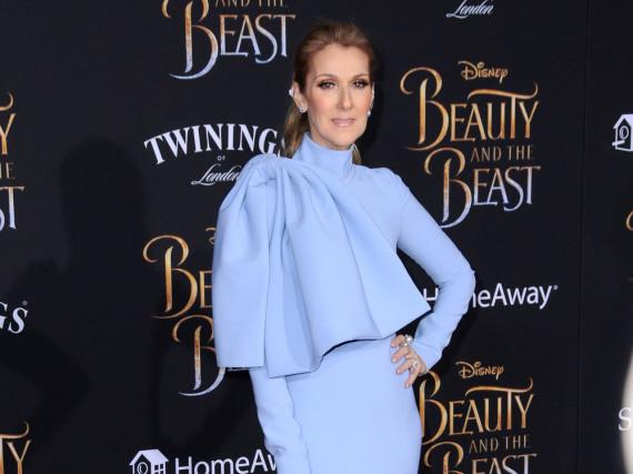 Céline Dion strahlte auf dem roten Teppich in Los Angeles mit einer auffälligen Robe in Hellblau