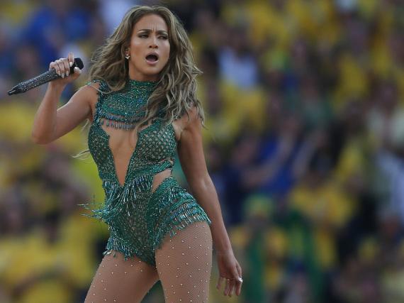 Jennifer Lopez wählt für ihre Auftritte gerne knappe Outfits - das hat auch ihr Sohn bemerkt