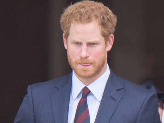Für die Hochzeit eines Freundes sind Prinz Harry und Meghan Markle derzeit auf Jamaika