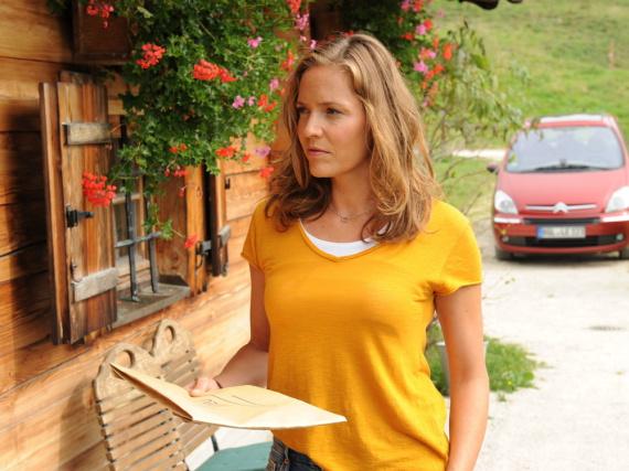 Patricia Aulitzky als Hebamme Lena Lorenz in der gleichnamigen ZDF-Serie