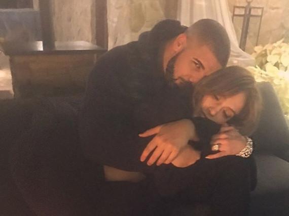 Mit solchen Kuschel-Fotos sorgten Jennifer Lopez und Drake für Liebesgerüchte