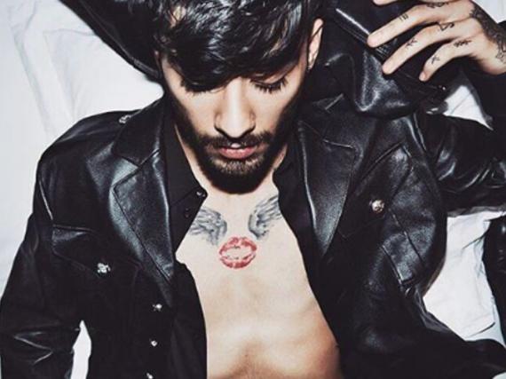 Eines der Kampagnenfotos für Versus Versace von Gigi Hadid