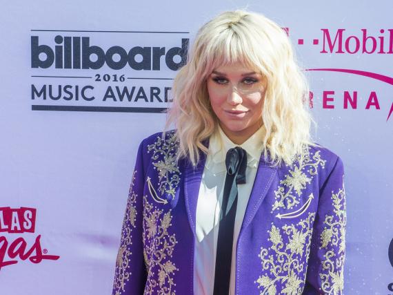 Kesha lebt lieber in der realen Welt, als im Internet