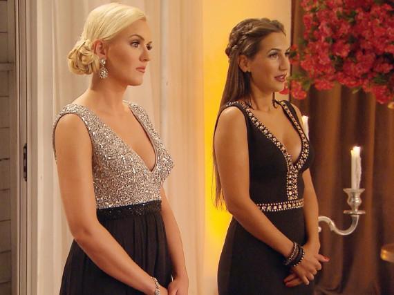 Erika (l.) und Clea-Lacy haben noch Chancen, Sebastian für sich zu gewinnen