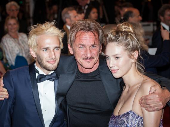Sean Penn mit seinen Kindern Hopper (l.) und Dylan bei den Filmfestspielen in Cannes im Jahr 2016